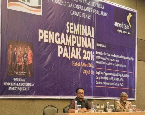 Menjadi narasumber dalam Seminar Pengampunan Pajak 2016 kepada Ikatan Konsultan Pajak Indonesia Cabang Bekasi di Hotel Aston Bekasi 28 Juli 2016