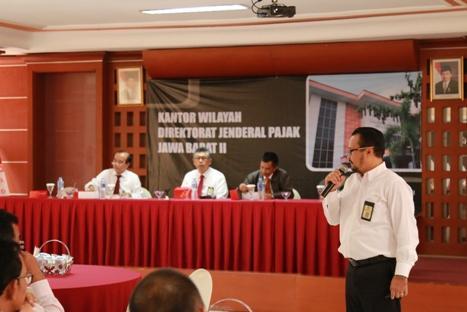 Menjadi Narasumber dalam Sosialisasi Amnesti Pajak kepada Jajaran Pegawai Kantor Wilayah DJP JB II (22.08.2016)
