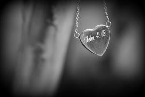 1 John 1 ayat 18