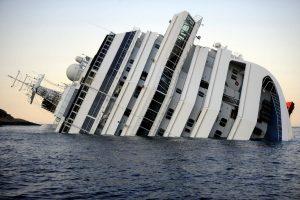 Kisah Tenggelamnya Kapal Pesiar