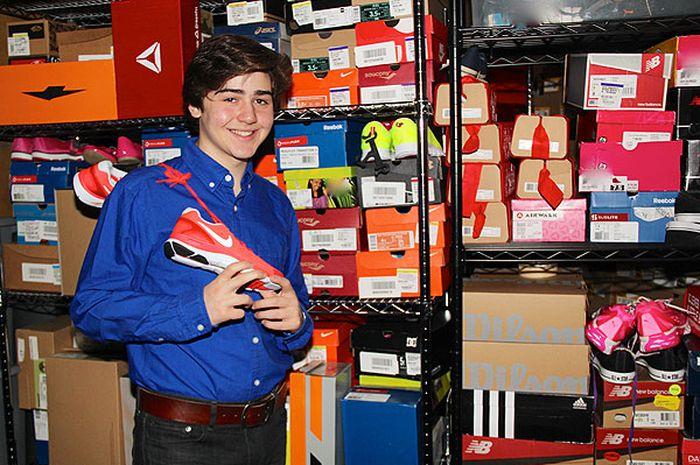 Nicholas Lowinger : Sepatu Baru untuk Mereka