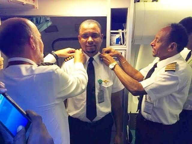Dari Cleaning Servis Bandara Menjadi Pilot