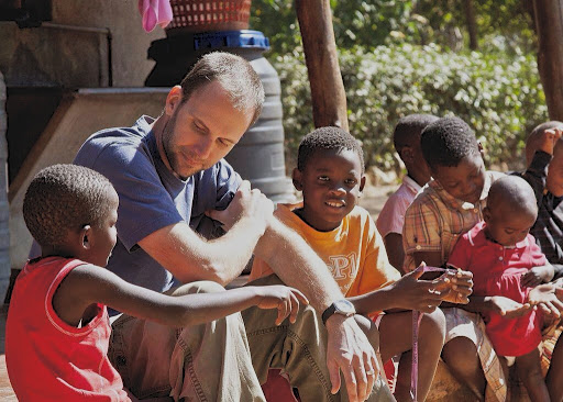 David William McCall : Hidup Sederhana?
